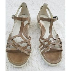 Ecco Sculpted Sign T Strap Tan Comfort Sandal sz 9